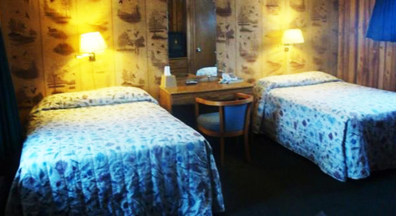 Curry's Motel Saginaw Double Bedroom